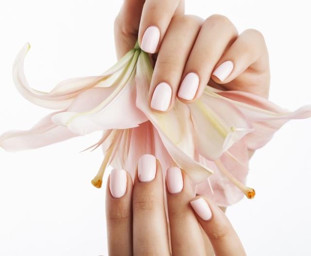 Pielęgnacja dłoni / Stylizacja paznokci